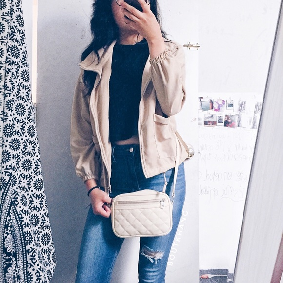 Handbags - Beige Crossbody Bag